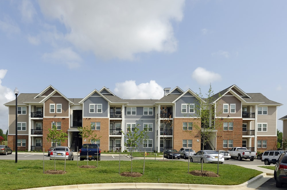 adams crossing apartment homes