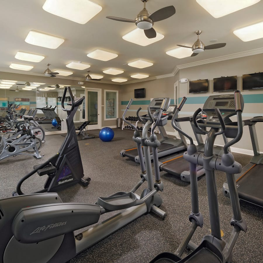waldorf apartments with fitness center